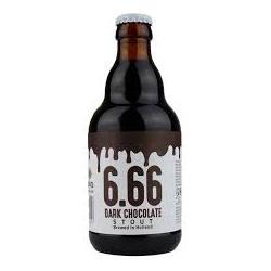 Naastbos stout dark fles...